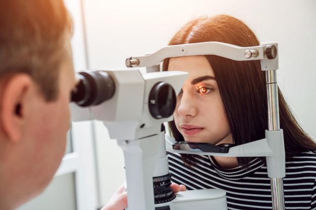 Protocolos para la adaptación de lentes de contacto personalizados